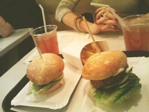 Finomító Kantin hamburgerek és házi szörp